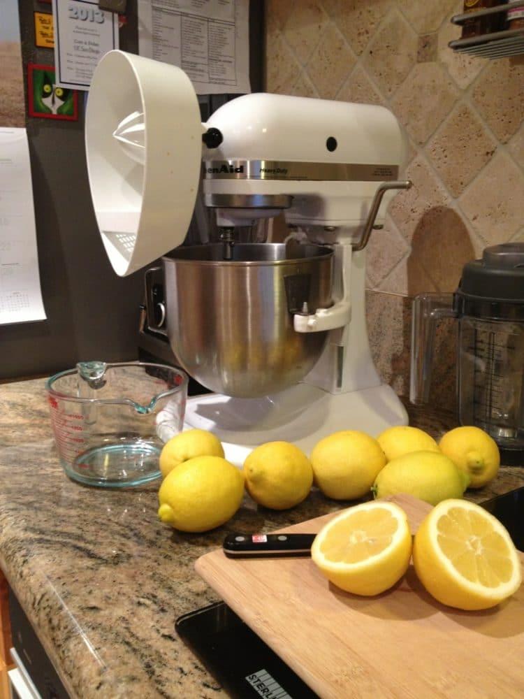 fresh-lemon-juice.jpg