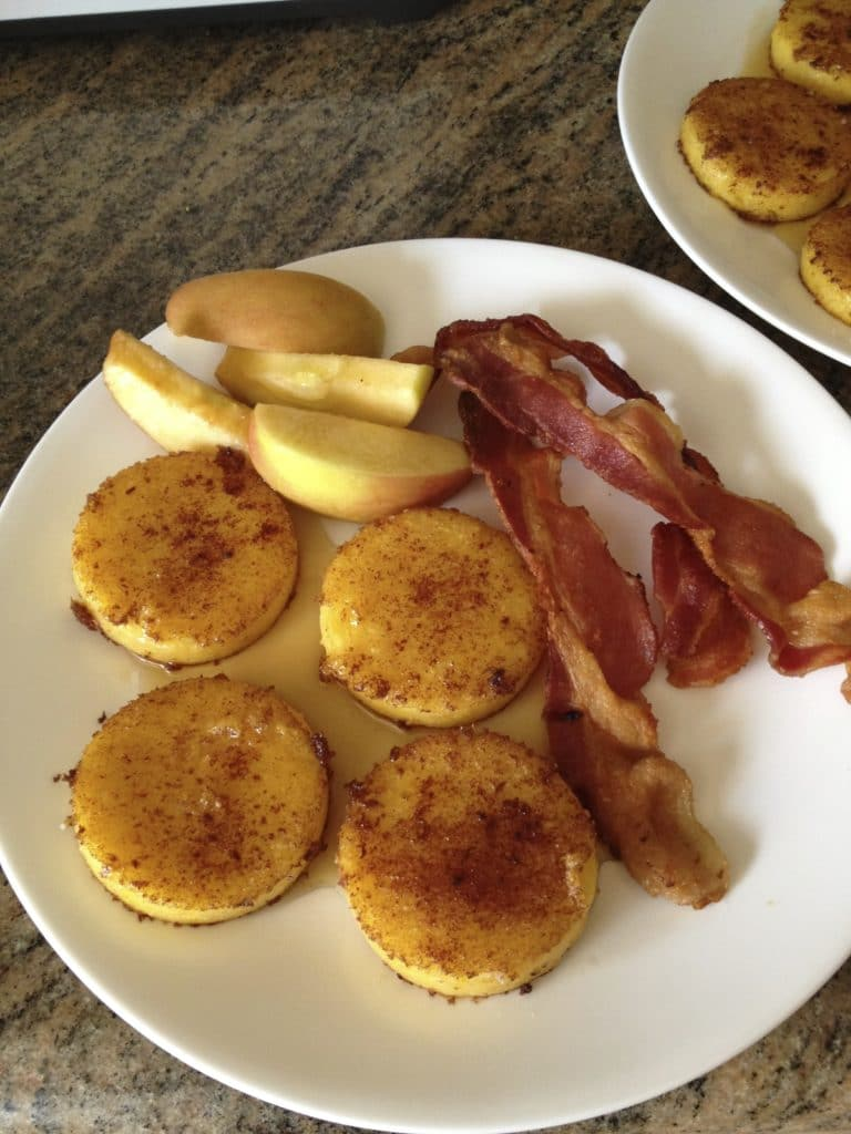 polenta-breakfast-cakes-plate : plate of cakes - Pezcame.Com