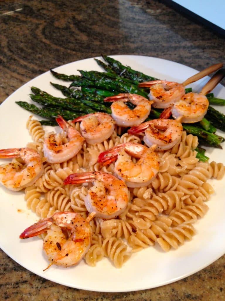 grilled-shrimp-asparagus-plated