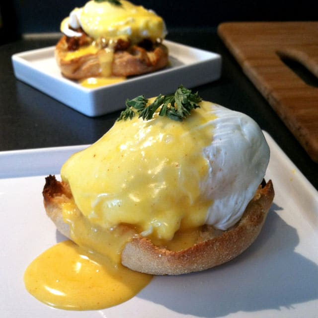 Easy Blender Hollandaise Sauce - keviniscooking.com
