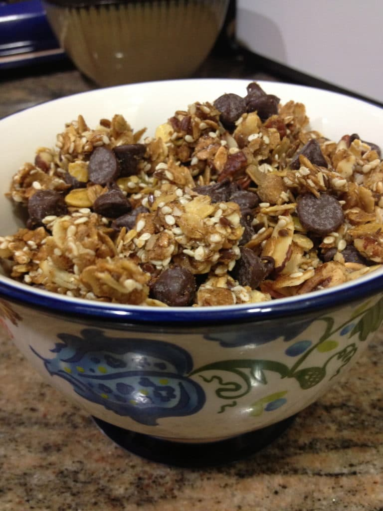 chocolate-pecan-granola