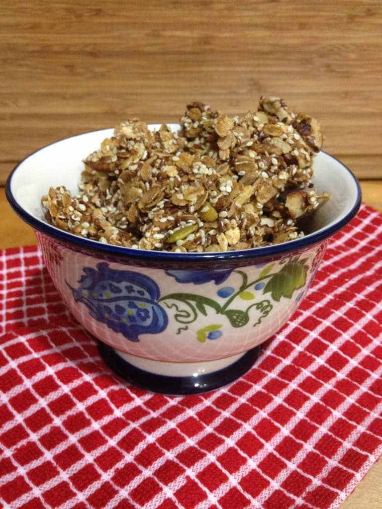 pecan-chocolate-granola