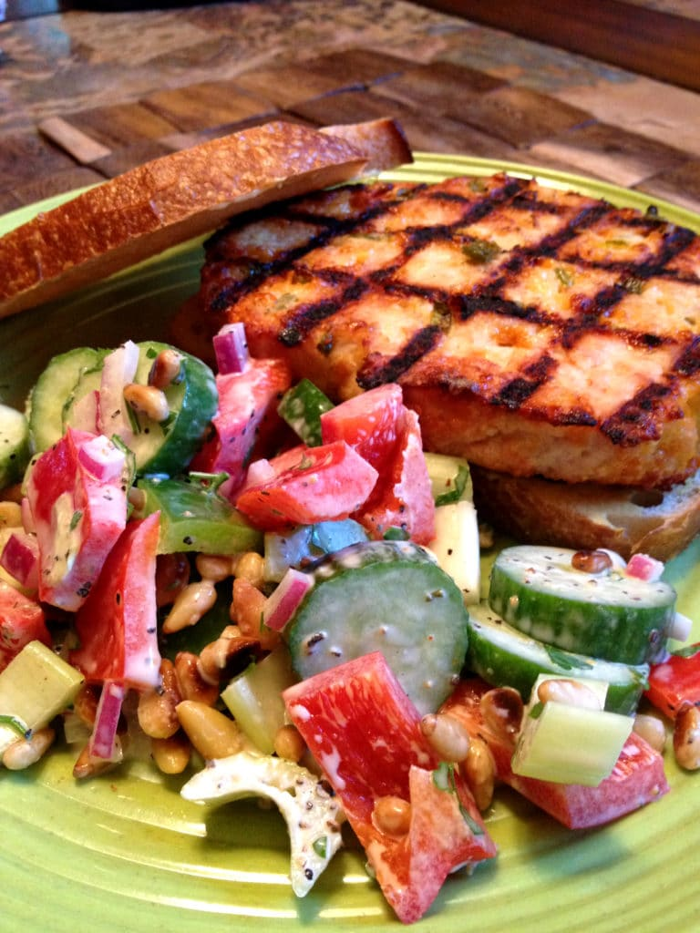 turkey-burger-pepper-salad