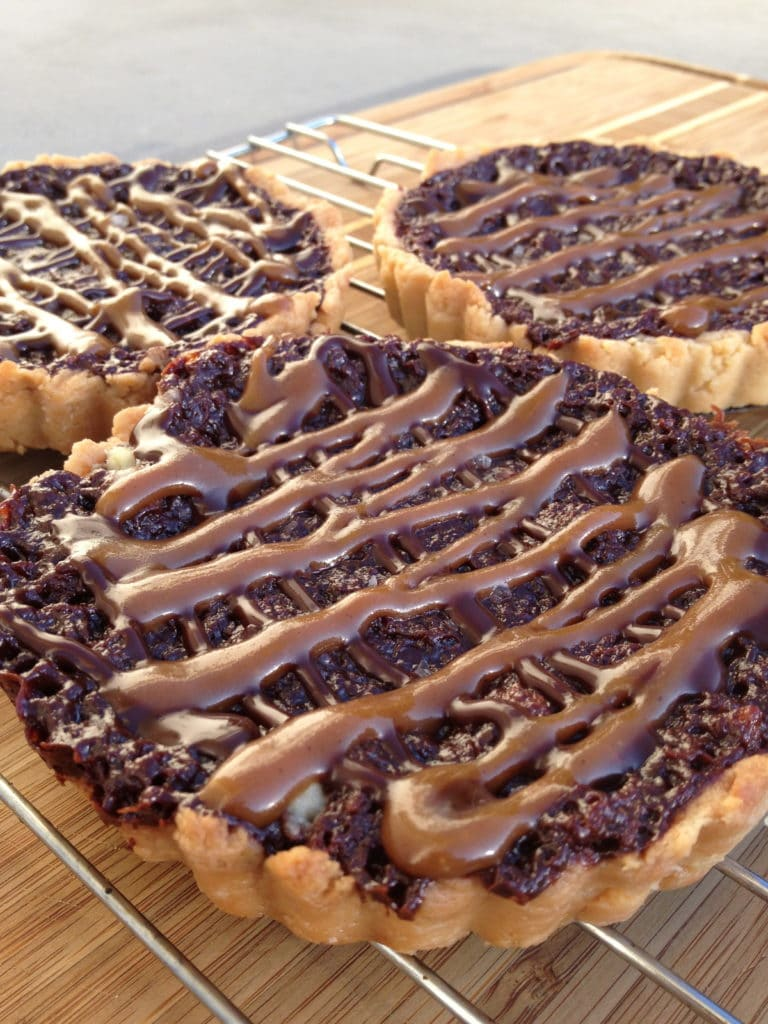 chocolate-salted-caramel-tarts