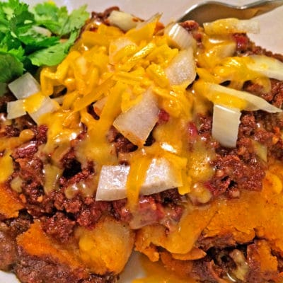 chili with onions and cheese