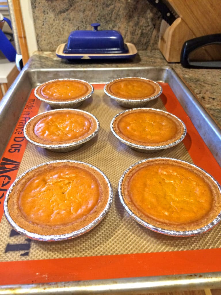 easy classic pumpkin pie1