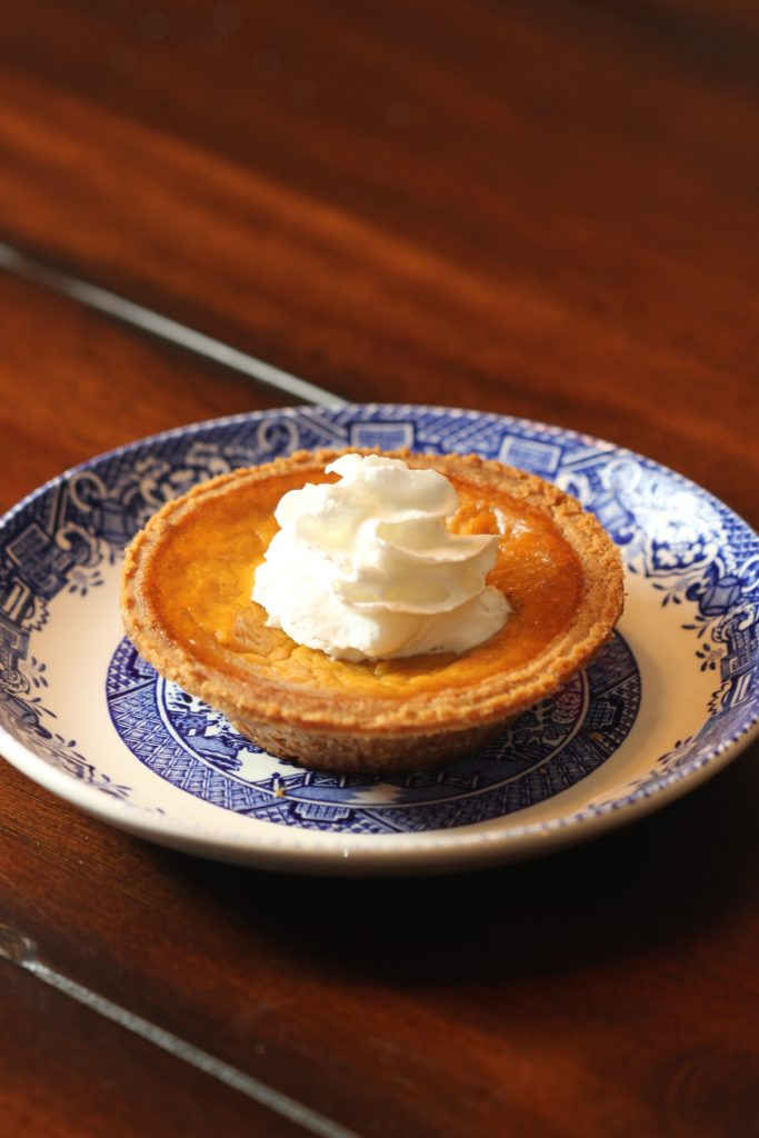 easy classic pumpkin pie2