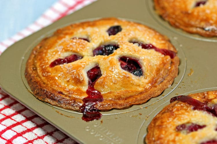 Apple-Berry-Mini-Pies8