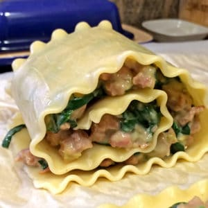 spinach and sausage stuffed and rolled lasagna