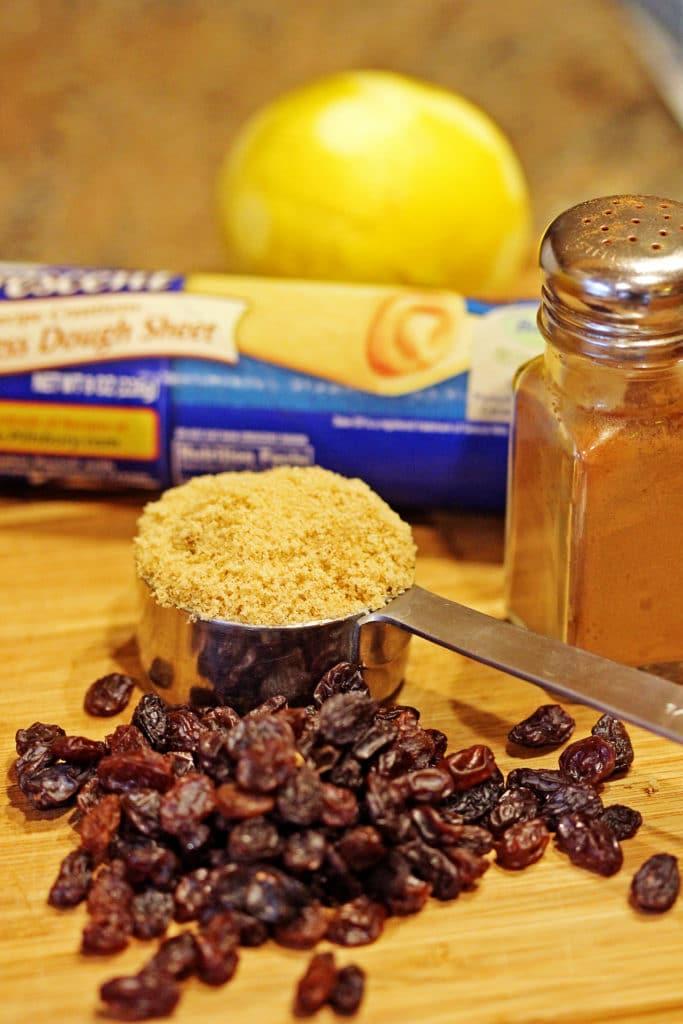 Cinnamon Raisin Cream Cheese Buns2