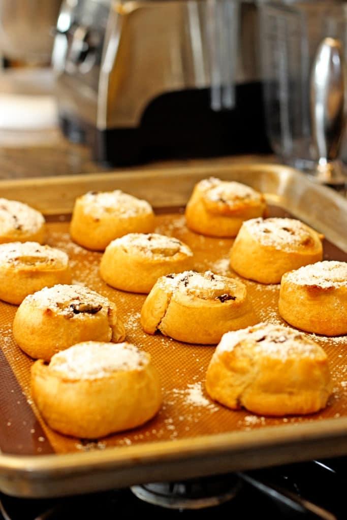 Cinnamon Raisin Cream Cheese Buns7