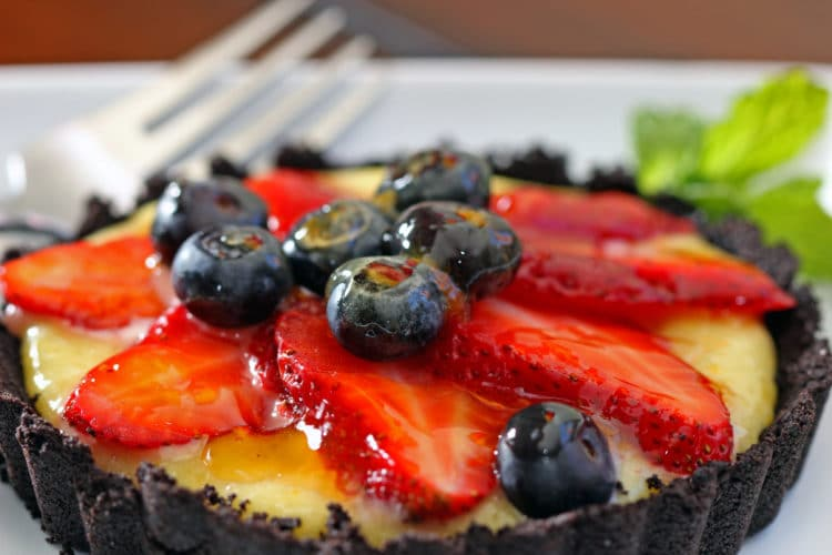 Strawberry tarts with chocolate cookie crust for Easy jam tarts ready made pastry