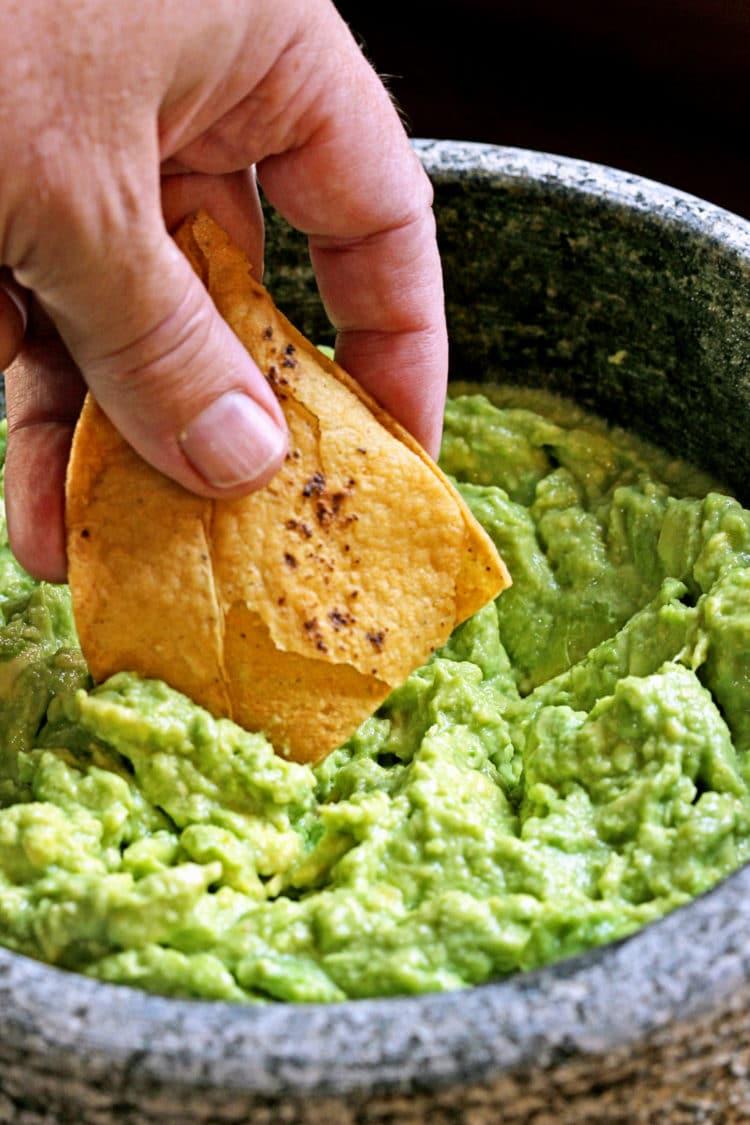 Simple Guacamole Recipe - keviniscooking.com