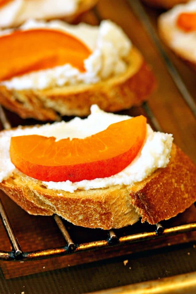 Apricot Ricotta Crostini3