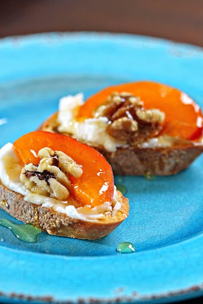 Apricot Ricotta Crostini5