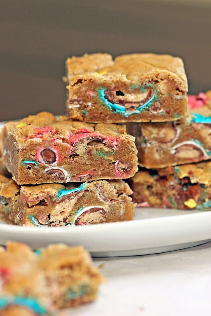 Chocolate Malt Ball Blondies2