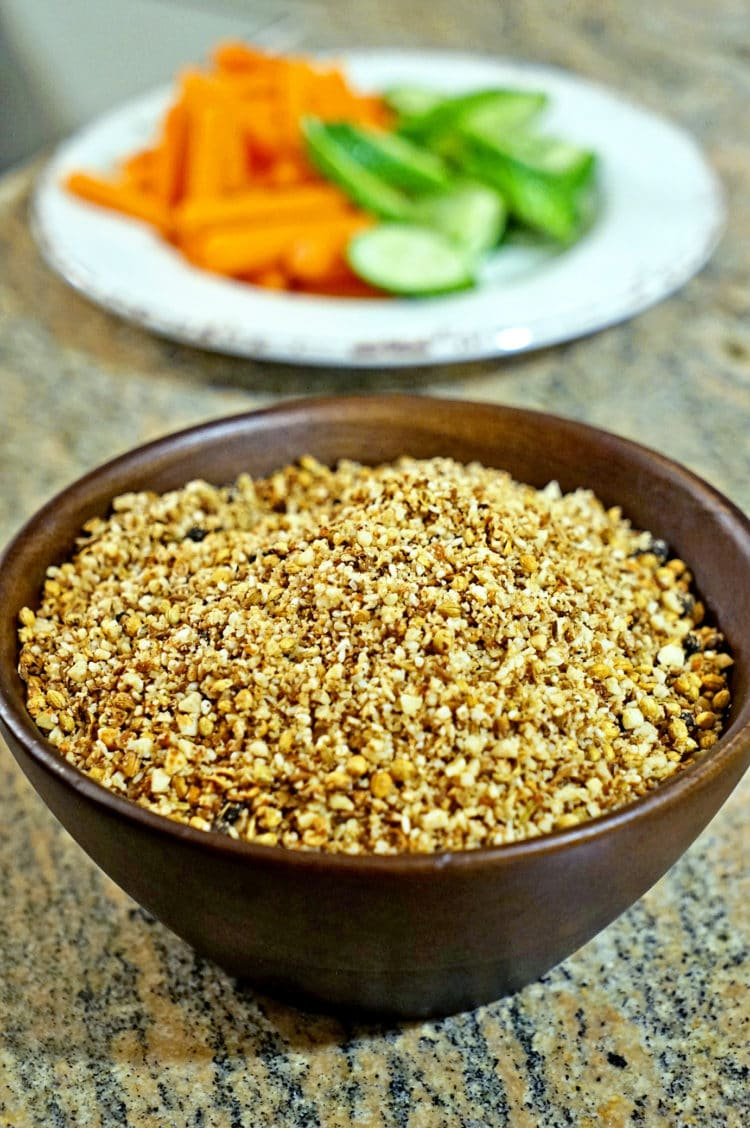 Dukkah Egyptian Spice Mix - keviniscooking.com