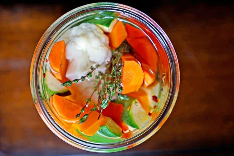 Easy Homemade Pickled Vegetables2