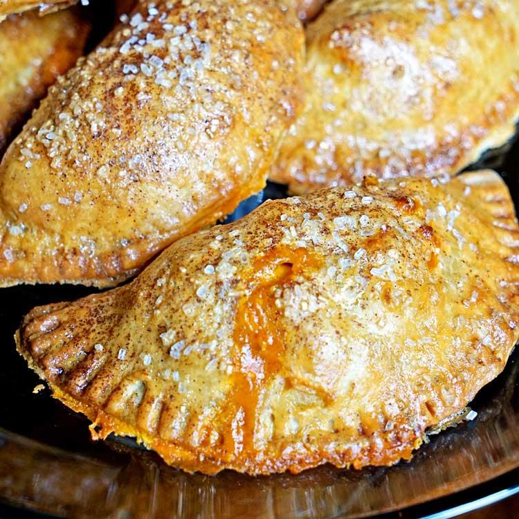 Pumpkin Spice Cinnamon Apple Empanadas. www.keviniscooking.com