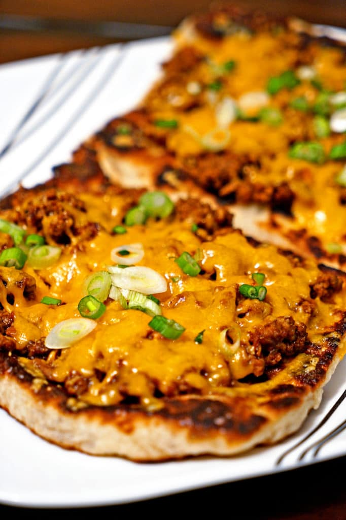 Chipotle Cheeseburger Flatbread Melts1