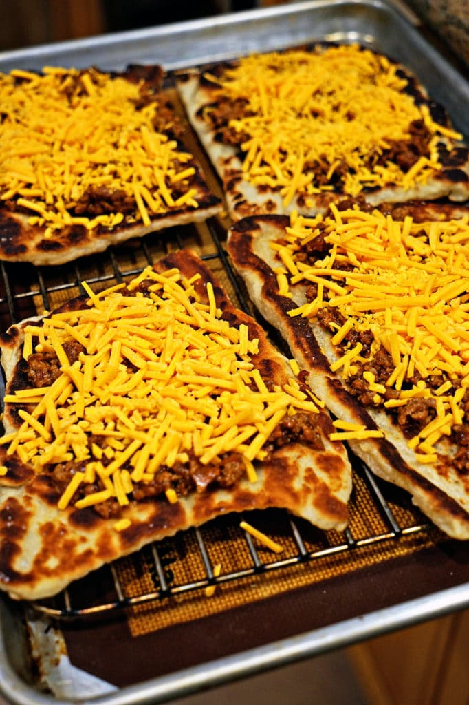 Chipotle Cheeseburger Flatbread Melts6