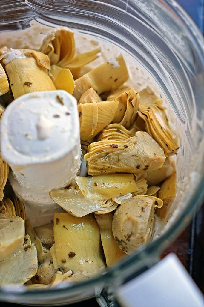 Roasted Garlic, Spinach and Artichoke Dip4