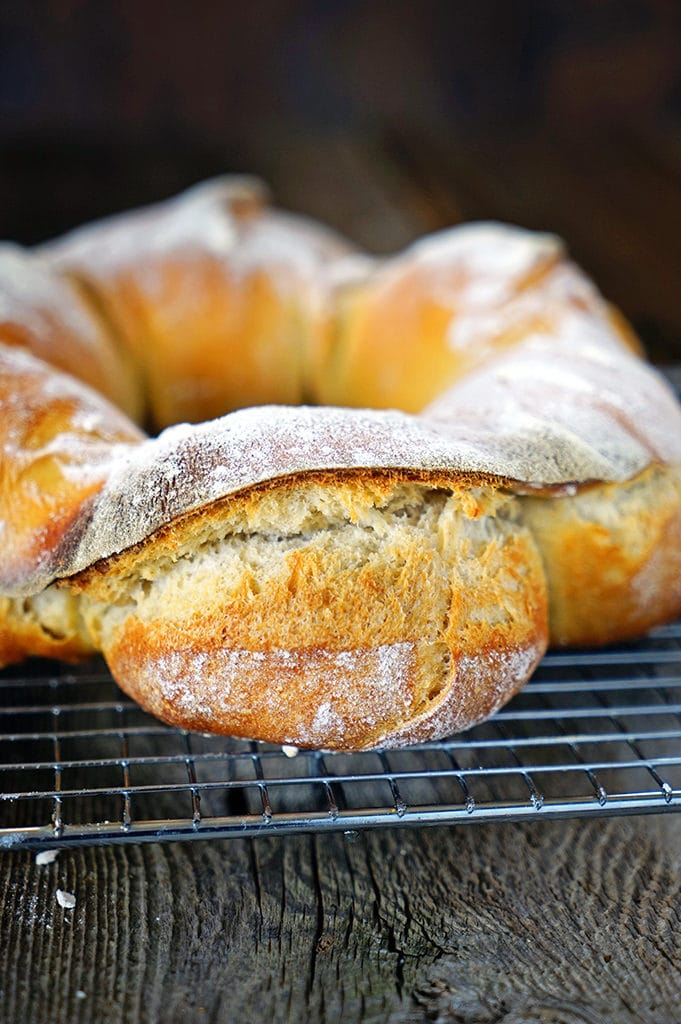 Sourdough Couronne Bordelaise - Bordeaux-Style Crown Bread. www.keviniscooking.com