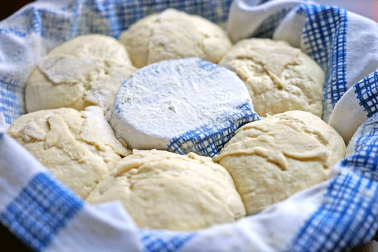 Sourdough Couronne Bordelaise - Bordeaux-Style Crown Bread. www.keviniscooking.com