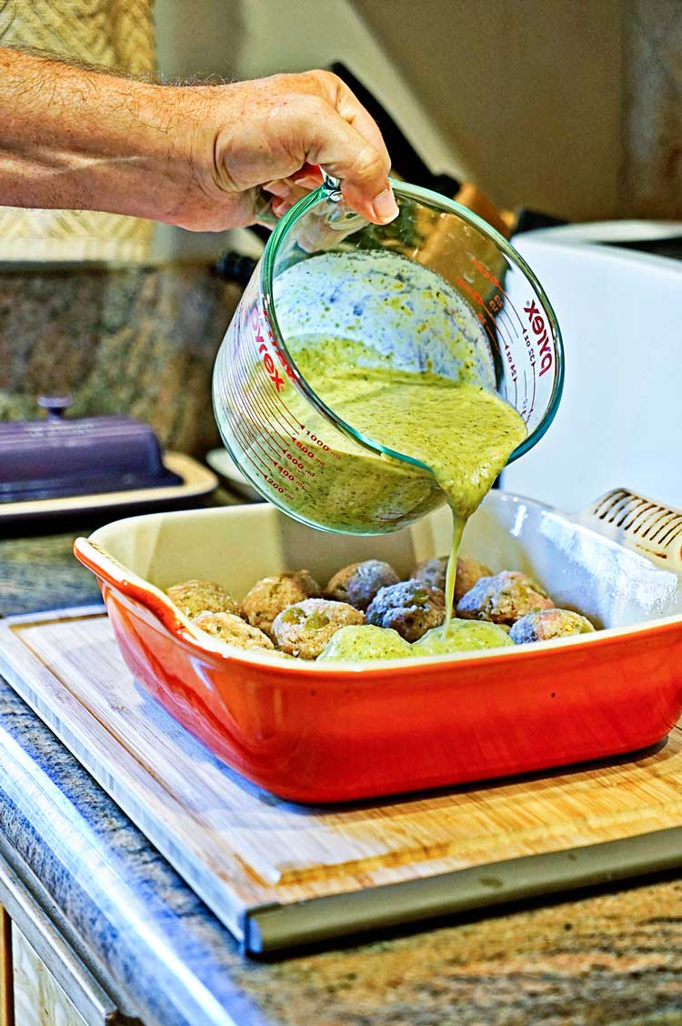 Stuffed Green Chili Meatballs in Tomatillo Sauce. www.keviniscooking.com