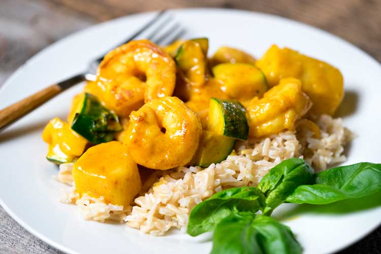 Thai Yellow Curry Shrimp with Pineapple. www.keviniscooking.com
