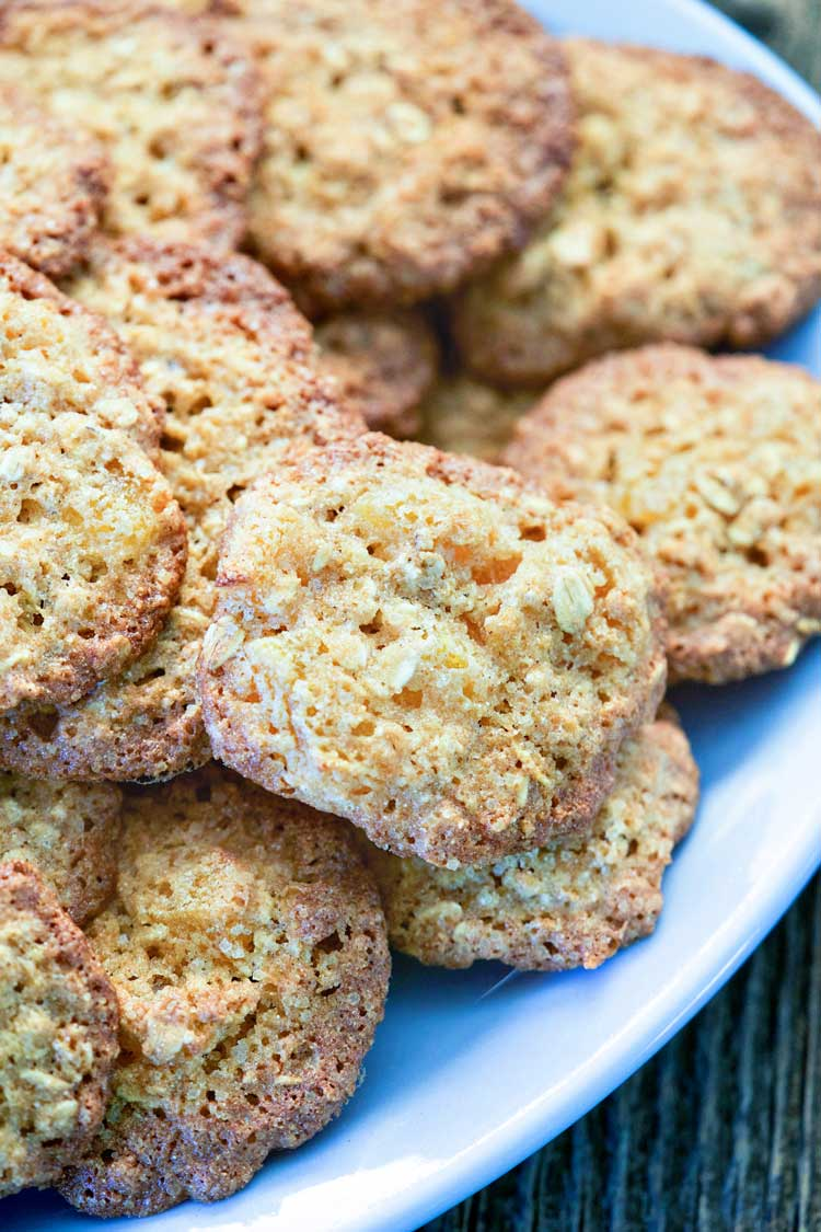 New Fashioned Apricot Oatmeal Cookies. www.keviniscooking.com