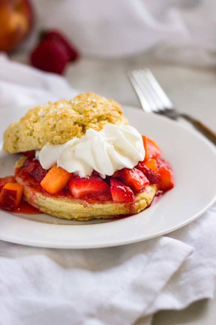 peach shortcake with whipped cream