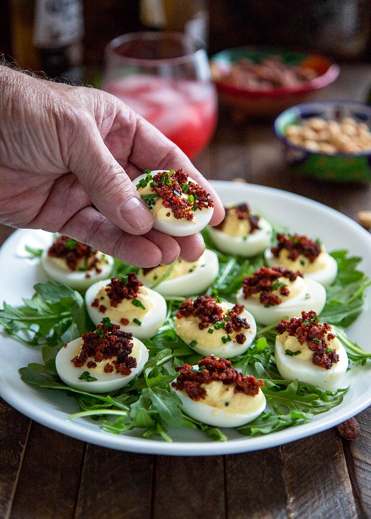 These Crispy Chorizo Deviled Eggs are deliciously smoky in flavor and ...