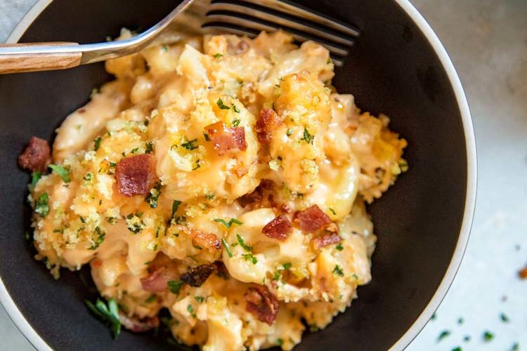 Bacon Mac and Cheese Casserole