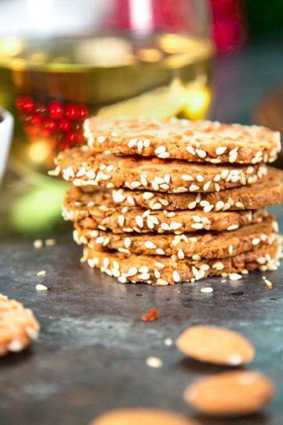 Crispy Sesame Cheddar Cheese Crackers