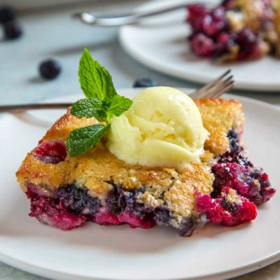Easy Berry Cobbler