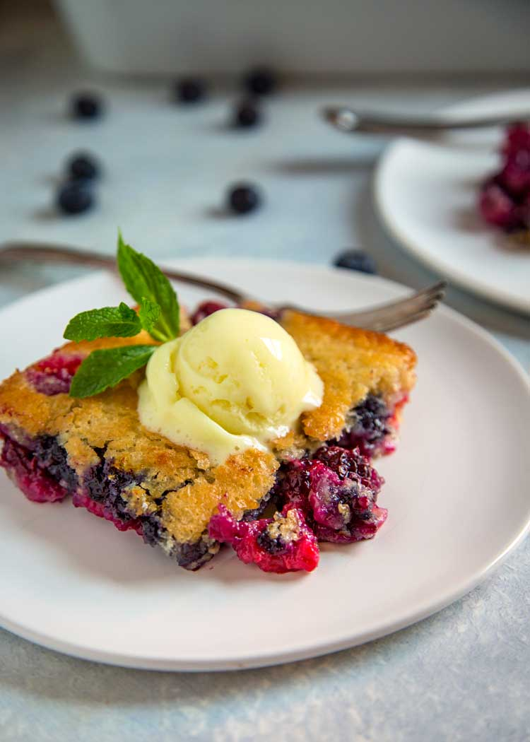Gramma's Easy Berry Cobbler