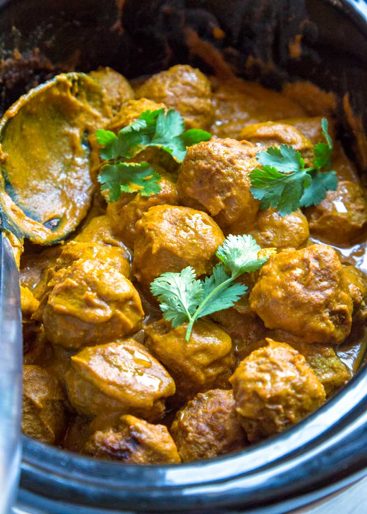 Pan Roasted Turkey Meatball Curry in slow cooker