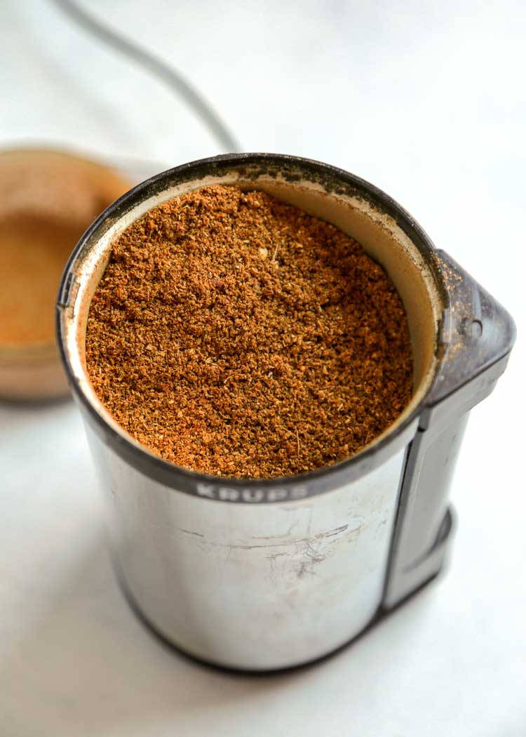 Malaysian Curry Powder Spice Blend in grinder
