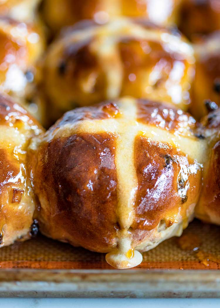 close up of pan of Holiday Hot Cross Buns