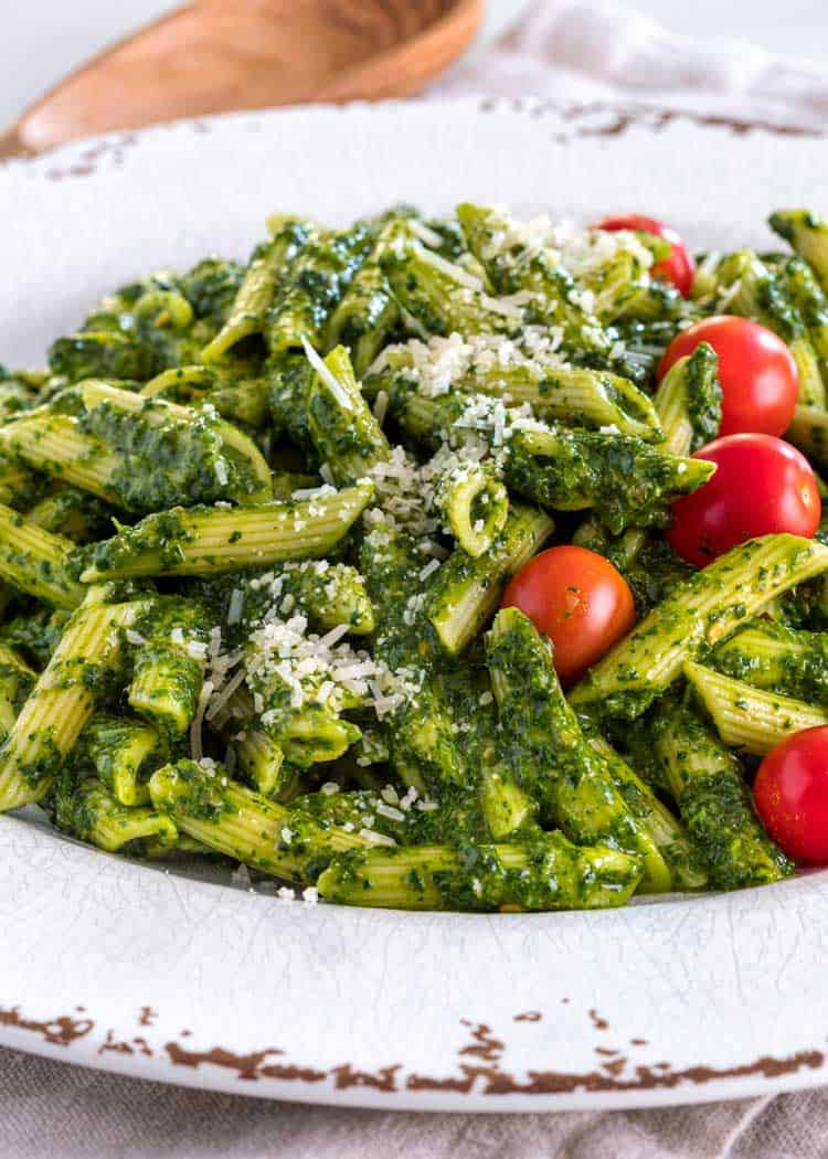 A plate of Sauce Verde and Pasta