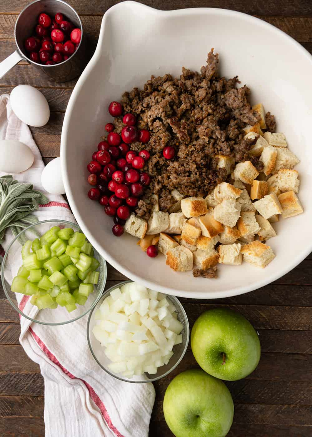 apple sausage stuffing ingredients