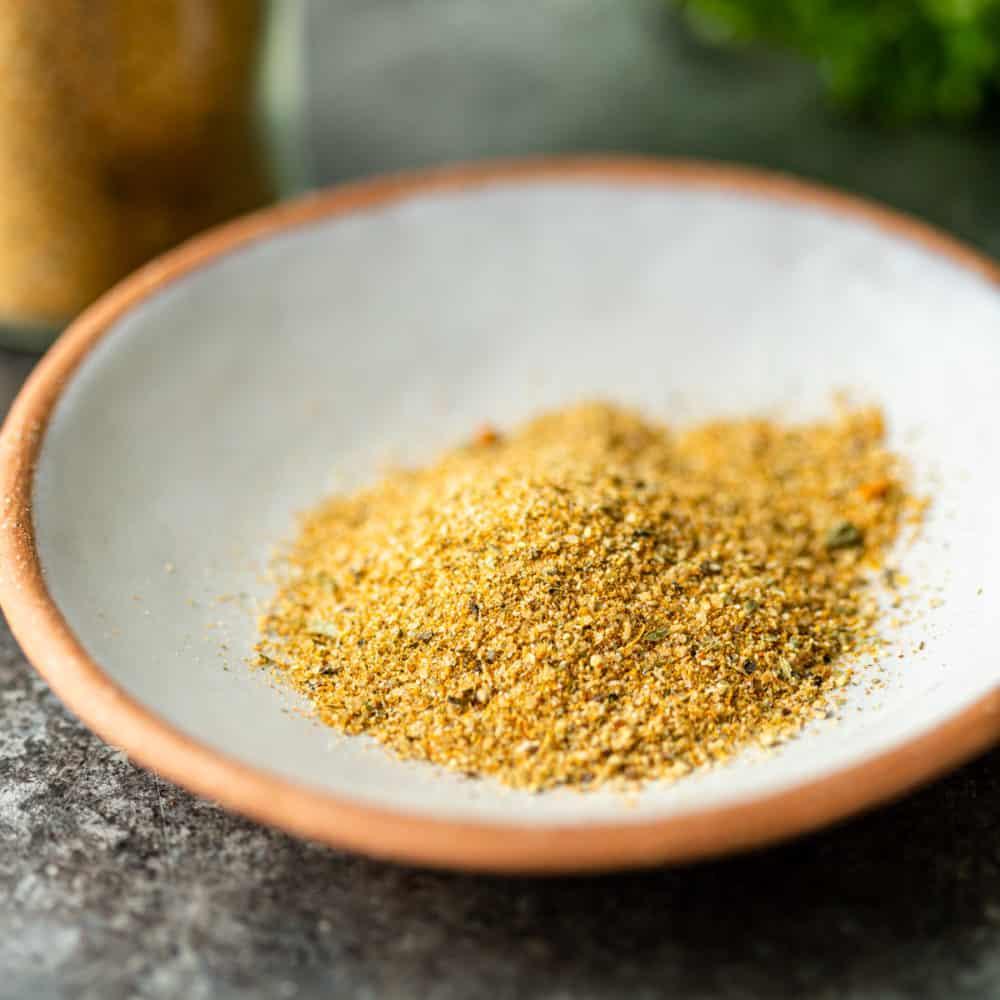 salt free seasoning in small white bowl