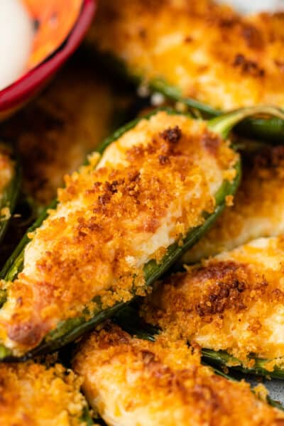 close up image: baked jalapeno poppers
